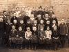 Klasse 3 von 1926/27 mit Lehrer Erich Schütz